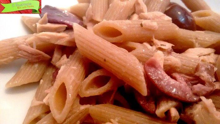 Pasta veloce tonno e olive, si prepara in pochi minuti